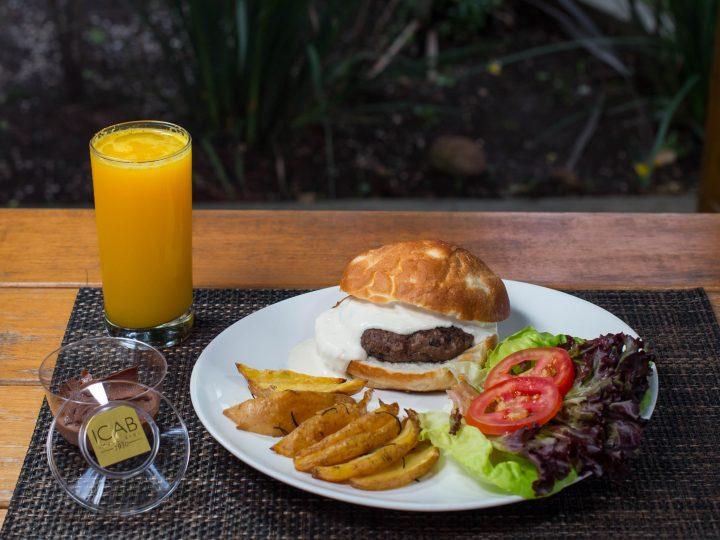 Restaurante oferece cardápio com opções a partir de R$22,90 para o almoço