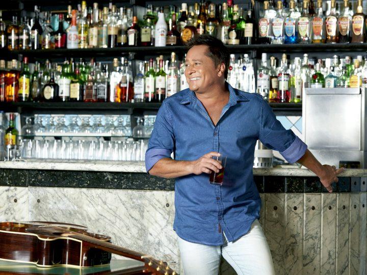 Cantor Leonardo desembarca em Curitiba no próximo domingo, 19 de agosto, com o seu 'Bar do Leo'