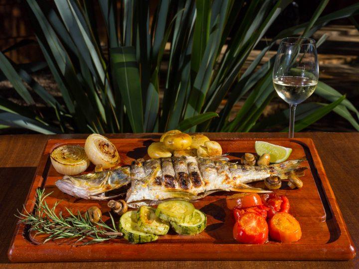Restaurante especializado em carnes na brasa cria prato especial para a sexta-feira Santa