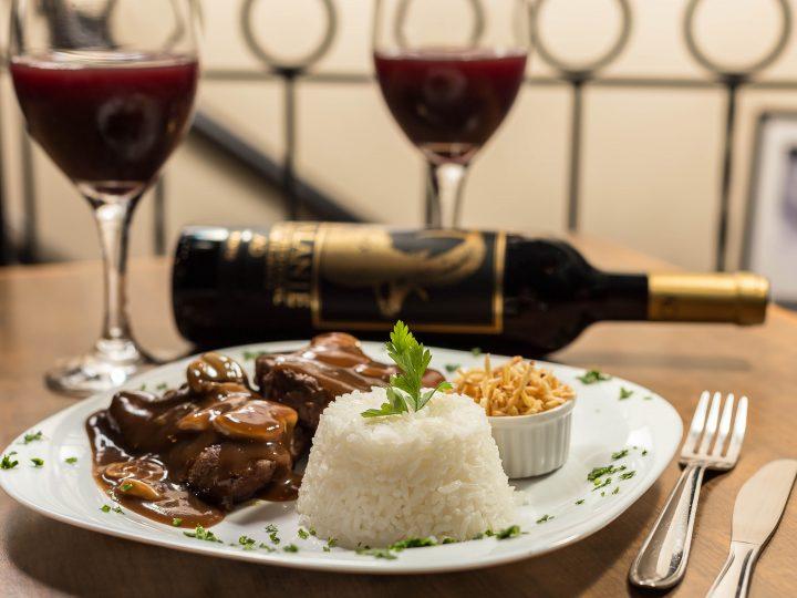 Dia dos Namorados com jantar especial no Bar Baroneza